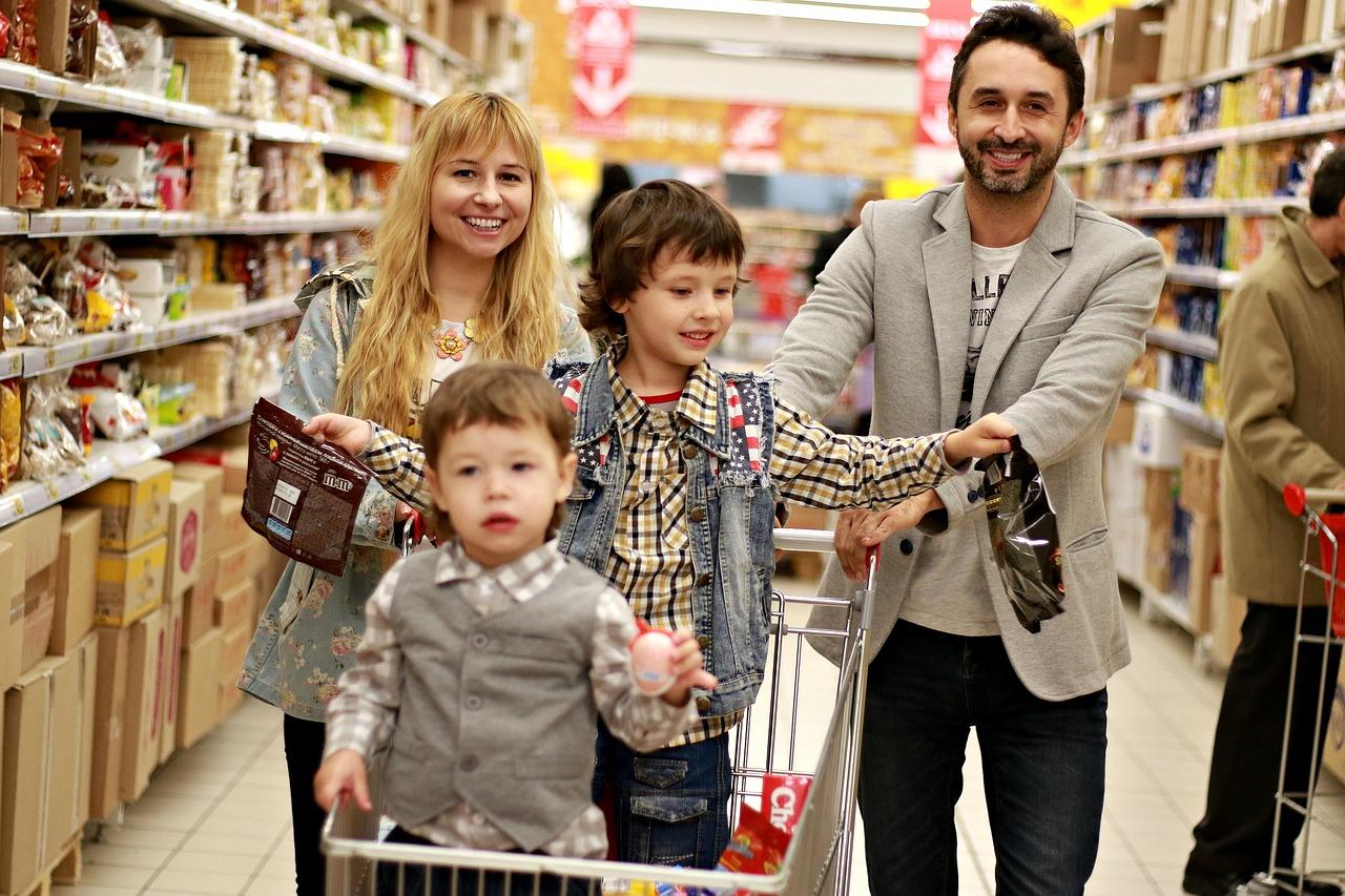 Zakupy i ciągłe przeceny w sklepach